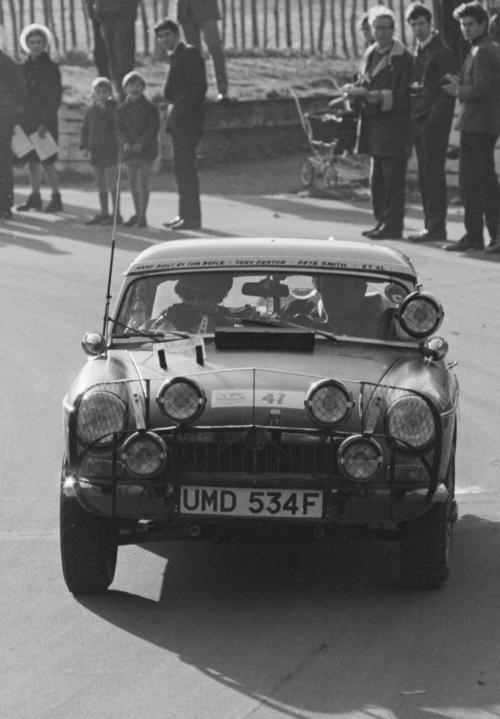 MGB 1968 front crop - Copy